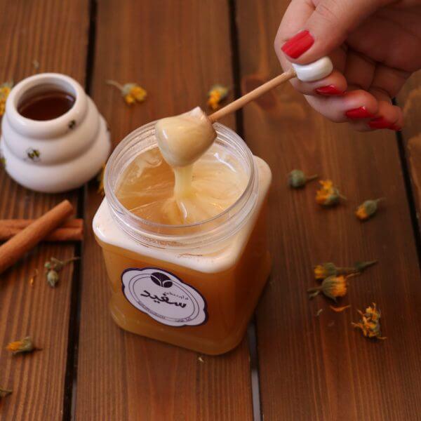 عسل خامه ای چیست؟ نحوه تهیه عسل خامه ای | مزایای عسل خامه ای | عسل خامه ای چگونه تهیه میشود؟
