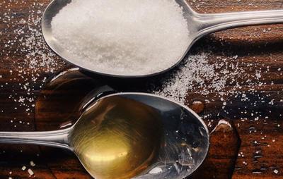 فواید عسل طبیعی و مضرات شکر