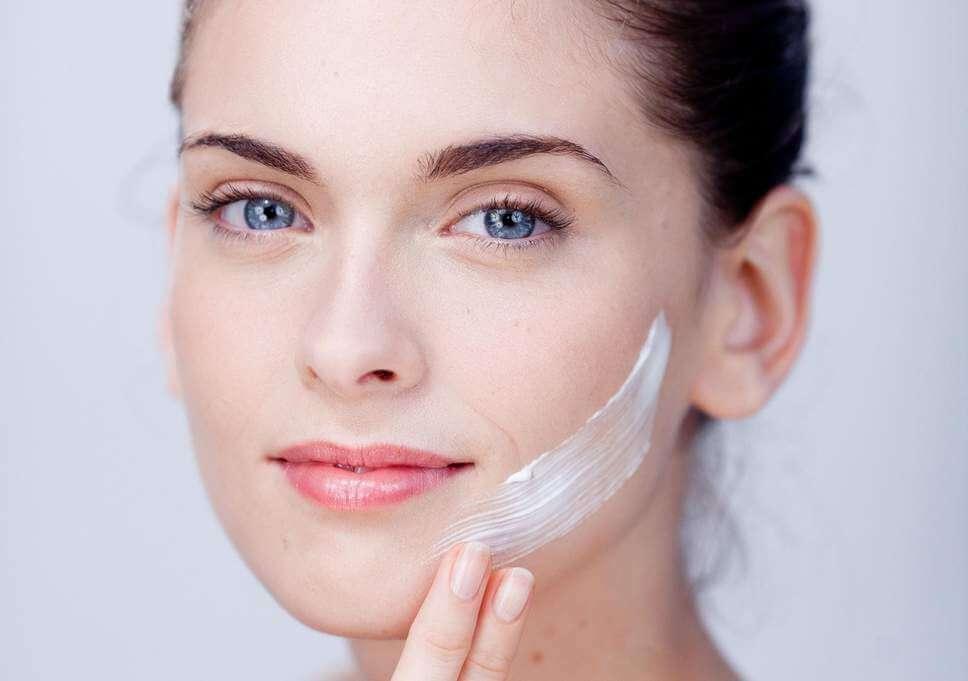 انواع کرم صورت دست ساز با عسل طبیعی | سفیدانه
